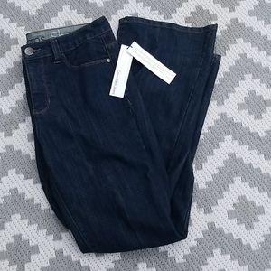 NWT Calvin Klein shape sits at waist reg fit boot